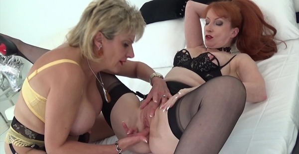 lady-sonia-Red-And-Sonia